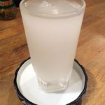 大衆鳥酒場 鳥椿 - 「フローズン日本酒」銘柄はたぶん白鹿。