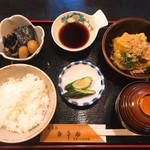 五平田・蔵 - 揚げ出し豆腐定食