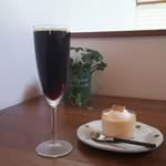 カプリ コーヒー ビーンズ - ドミニカプリンセスワイニーは芳醇な香りと深い味わいの大人なコーヒー(*≧∀≦*)♪