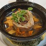 トゥ・ラ・ジョア - 和牛と黒豚の蒸し・焼き