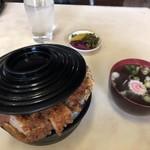 グリルやまとや - かつ丼 ¥650