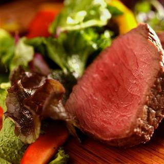 手間暇かけて丁寧に調理された肉盛り