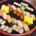 あひる - 料理写真:食べ放題まで必須メニュー 寿司