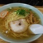 たかよし麺類食堂 - 料理写真:中華そば。