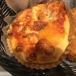 ベーカリー&カフェ カスカード - マルゲリータ。 税抜160円。 美味し。