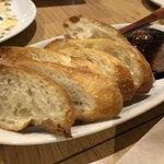 アウグスビール ラボ・キッチン - 鶏レバーペースト(バケット付)
