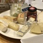 アウグスビール ラボ・キッチン - 本日のチーズ一覧
