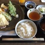 友福丸 - てんぷら定食 1300円(税別)