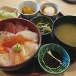 たかはし - 料理写真:海鮮丼