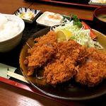 豚珍館 - 料理写真:名物ひれかつ定食