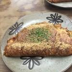 つくし - 料理写真:お好み焼き(450円)+50円で、肉またはイカまたは卵のトッピングあり!