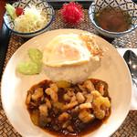 チャーンタイ レストラン - エビのチリペースト炒めランチセット(土日の日替わりランチ*数量限定*)