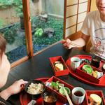 おづKyoto -maison du sake- - 箱御膳弁当1,200円(税別)