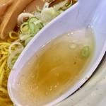 博多ラーメン とんこつ家 - スープ