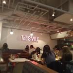 THE SMILE - 内観写真:店内