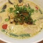 Thai Food Lounge DEE  - グリーンカレーラーメン (´∀`)/ L 激辛 パクチー前 結構 今回 辛味キイタ〜