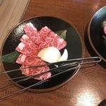焼肉ハウス草原 - カルビ¥900