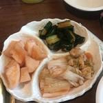焼肉ハウス草原 - キムチ盛り合わせ(大)¥600