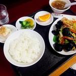 井荻飯店 - きくらげ玉子炒め定食