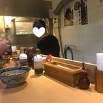 梅田 釜たけうどん - カウンター
