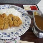 食事処おりと - 料理写真:カツカレー