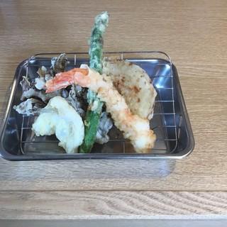 10日天ぷらの日500円ランチ!!