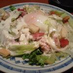つぼ八 - 温玉シーザーサラダ