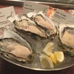 90433481 - 生牡蠣の食べ比べ