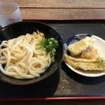 ヨコクラうどん - 午前11時30分なので昼の早飯(・ω・)