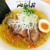 べらしお - 料理写真:海老(えび)の塩そば780円…えびのうまみと香りの風味豊かな塩そば。