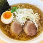 べらしお - 料理写真:平子(真いわし)の塩そば780円…平子ひらこ=(真いわし)の煮干しならではの芳醇なうま味が効いてます。