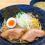 べらしお - ゆず塩つけそば(温麺or冷麺)820円…沖縄・久米島の天然塩のうまみが活きたゆずの香りさわやかなスープ