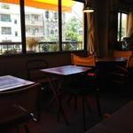 マーチンカフェ - お洒落な店内