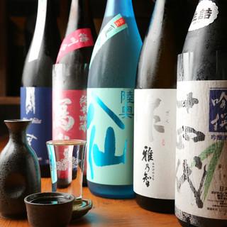希少なプレミアム日本酒や各種地酒を取り揃え