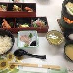 90440422 - 鶏すきやき鍋と蛤飯の定食1200円(ツアー用)