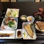 90445661 - うなぎ丼、白焼、肝焼、うなぎの押し寿司、野菜サラダ