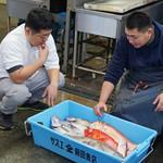 DRAGON酒家 - 「サスエ前田魚店」の前田尚毅さんとオーナーシェフ