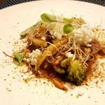 タマヤ - 古白鶏 桜エビと野菜のブリカッセ エストラゴン風味