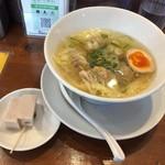 香港雲呑専門店 賢記 - 海老焼売雲呑麺850円焼塩スープ