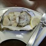 魚繁 - 料理写真:徳島の「天然岩ガキ」1,000円