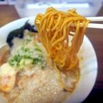 環七ラーメン SEABURAジョニー - 中太ストレート麺はツルモチ系