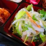 可らし仙台 - サラダと冷奴