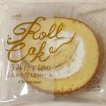 シャトレーゼ - うみたて卵のふんわり厚切りロール(108円)