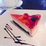 navi cafe - ベリーケーキ