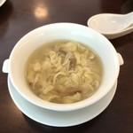 茗圃 - 卵と茸のスープ