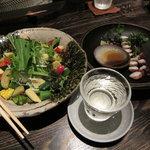 野趣家 - 名物川田農園サラダとタコのあぶりのお造り