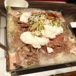 粋な肉 - 肉タワーが肉鍋に変身