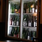 麦酒庵 - 冷蔵庫にはびっしりな日本酒