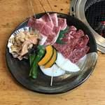 但馬牛料理はまだ - 焼肉セットA  ¥2.500       (バラ・ハラミ・ホルモン)