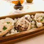 ナクレ - 使われているのは三陸産桜牡蠣、幻とも言われるブランド牡蠣です。